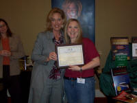 Long time conference volunteer, Farah Elliot, of the Doubletree Orlando, was proudly awareded her Competent Leader Certification by Contagious Conferences™
